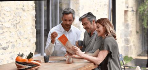 Commercial Garanka avec des client