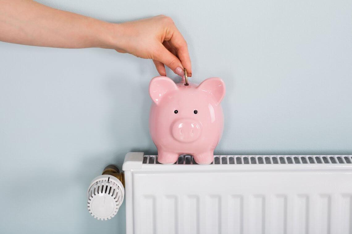 tirelire cochon sur radiateur
