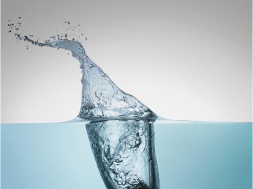 eau bleue claire